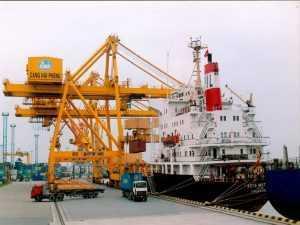 Ship repair in Van Phong port, Vietnam